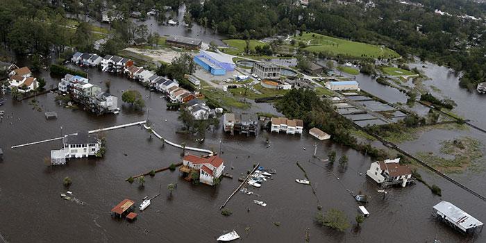 Jacksonville in North Carolina wurde großflächig überschwemmt