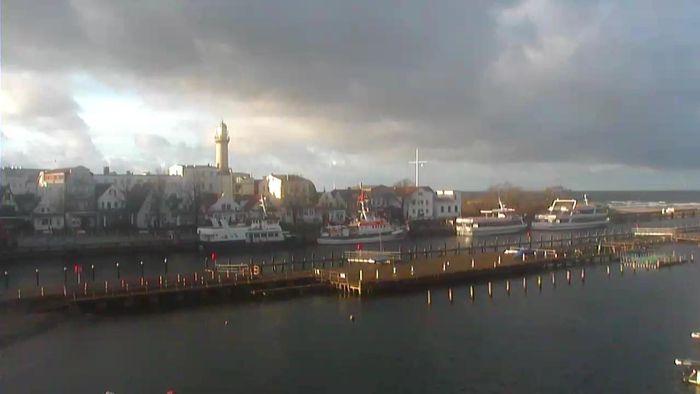 HD Live Webcam Warnemünde - Mittelmole - Yachthafen