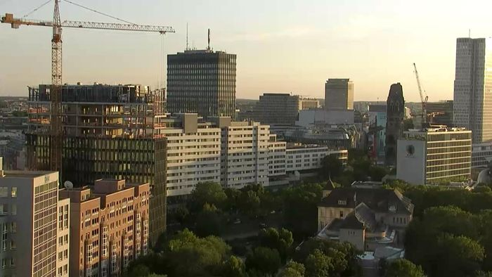 HD Live Webcam Berlin - Tiergarten - Hotel InterContinental