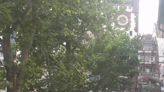 HD Live Webcam Freiburg - Martinstor - Volksbank