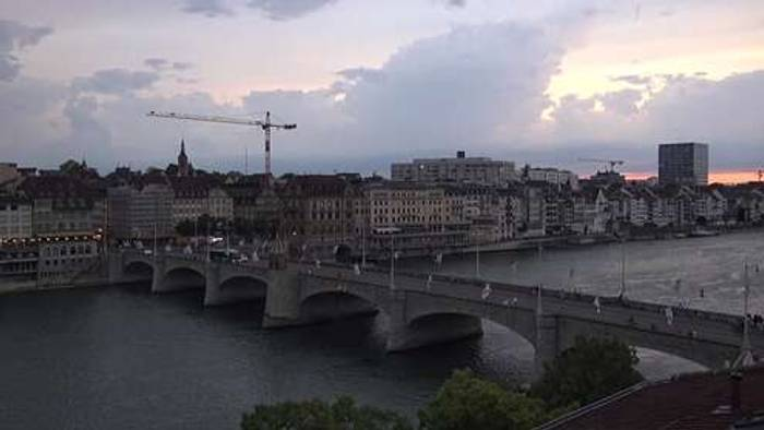 HD Live Webcam Basel - Rheinufer - Basler Münster
