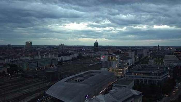 HD Live Webcam München - Hauptbahnhof - BR-Funkhaus