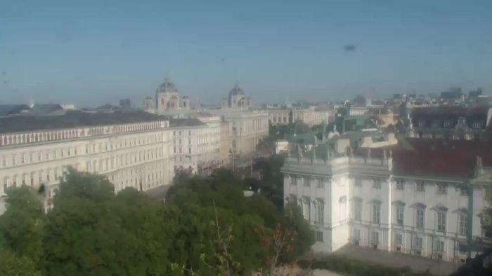 HD Live Webcam Wien - 25hours Hotel Wien beim MuseumsQuartier