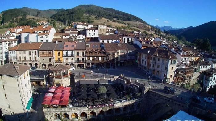 HD Live Webcam Potes 3 - Cantabria