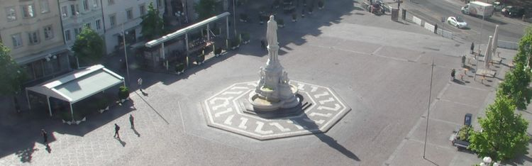Livecam Bozen - Waltherplatz - Stadt Hotel Città