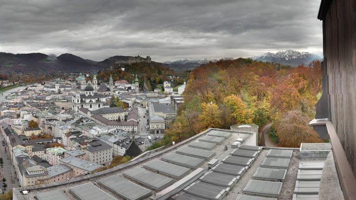 HD Live Webcam Salzburg - Mönchsberg - Museum der Moderne