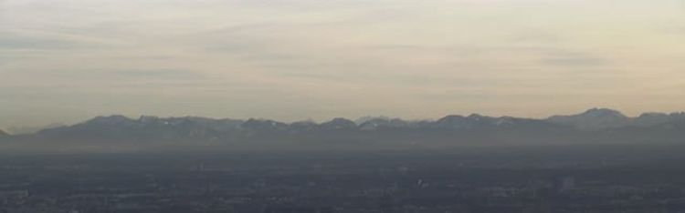 Livecam München - Olympiaturm - Olympiapark und die Alpen