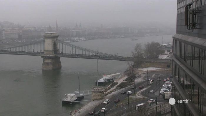 HD Live Webcam Budapest - Donau, Kettenbrücke und Burgberg