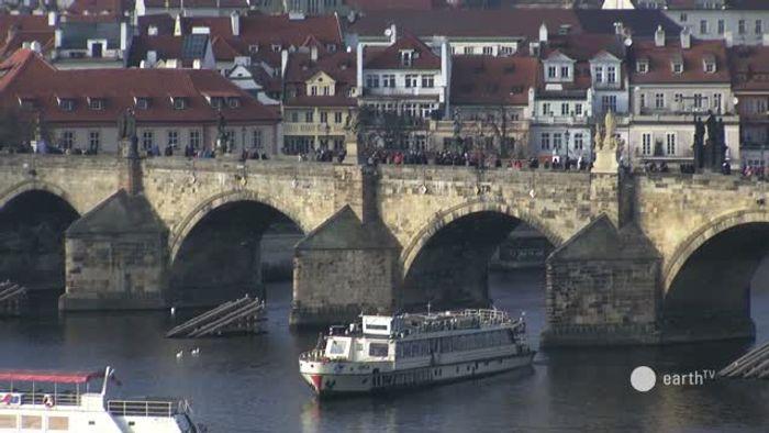 HD Live Webcam Prag - Moldau - Hradschin - Prager Burg