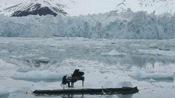Konzert im Eismeer: Starpianist spielt für die Arktis