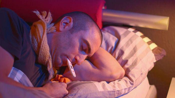Erkältungsmythen: Was hilft wirklich?