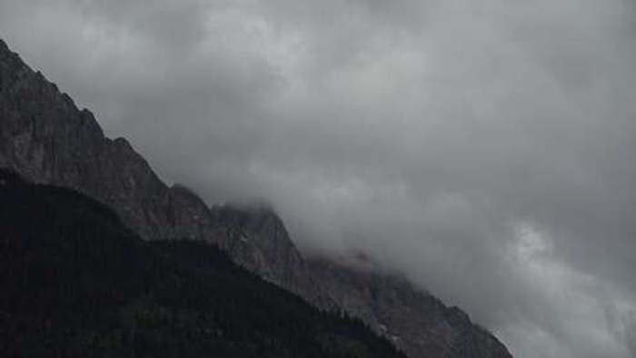 HD Live Webcam Zugspitzdorf Grainau - Waxenstein und Zugspitze
