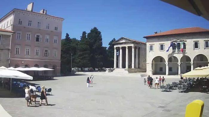 HD Live Webcam Pula - Forum-Platz und Augustus-Tempel