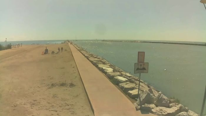 HD Live Webcam Webcam Caorle - Ponente beach near Livenza channel