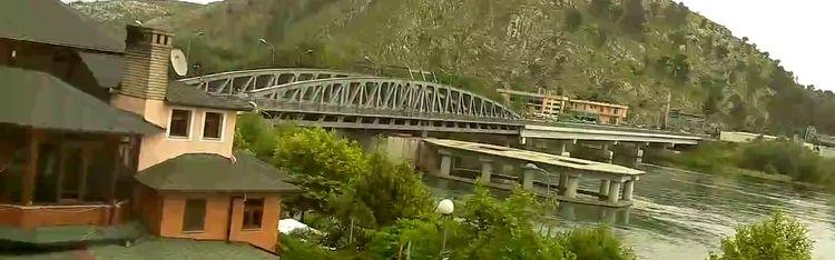 "Livecam Webcam Shkoder - The Castle of Rozafa and the Buna River from the restaurant ""Vellezerit Vataksi"""