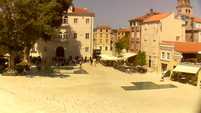 HD Live Webcam Zadar - Platz Trg - Petra-Zoranića-Straße