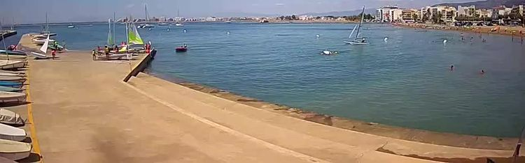 Livecam Port of Roses - Costa Brava - La Perola Beach