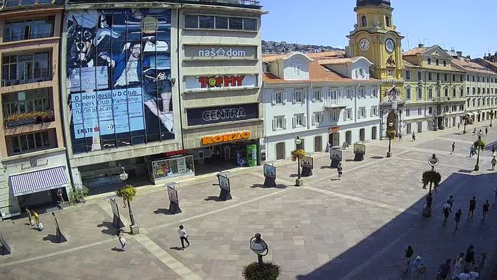 HD Live Webcam Rijeka - City Tower and Clock