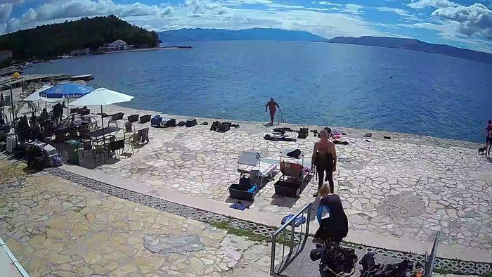 HD Live Webcam Selce - beach - Diving center