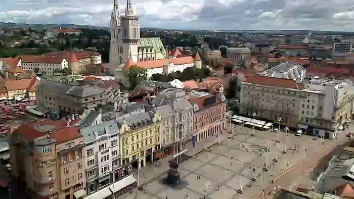 HD Live Webcam Zagreb - Bana Jelačića square panorama