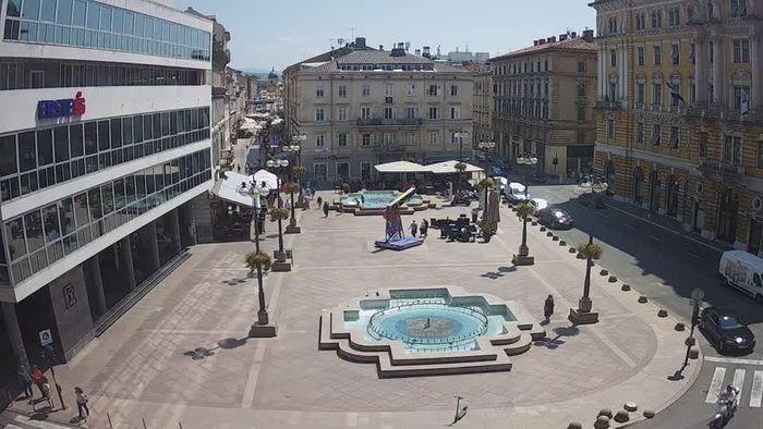 HD Live Webcam Webcam live - Novi Vinodolski - Main street Hrvatskih Branitelja