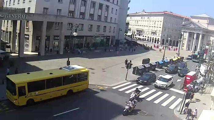 HD Live Webcam Trieste - Piazza della Borsa