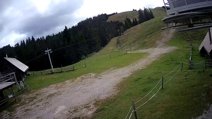 HD Live Webcam Ski resort Golte - Funicular station
