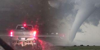 Gefahr hautnah: TV-Crew gerät mitten in Tornado