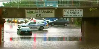 Regen setzt Straßen in Melbourne unter Wasser