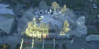 Mächtige Explosion! Georgia Dome in Atlanta gesprengt