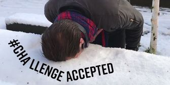 Schnee-Gesichts-Stempel: Neue Challenge geht viral
