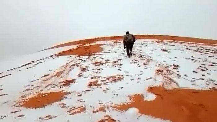 Seltener Wintergruß: Schnee in der Sahara