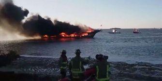 Feuerinferno! Casino-Schiff brennt aus