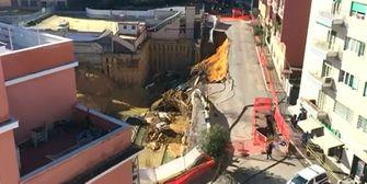 Rom: Riesiges Erdloch verschlingt Autos