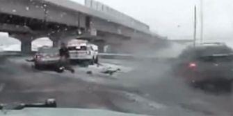 Unfall bei Glätte: Polizist beinahe überfahren