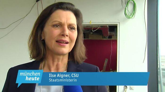 free shipping best authentic detailing Ilse Aigner gibt Einblicke in ihr neues Büro im Bauministerium