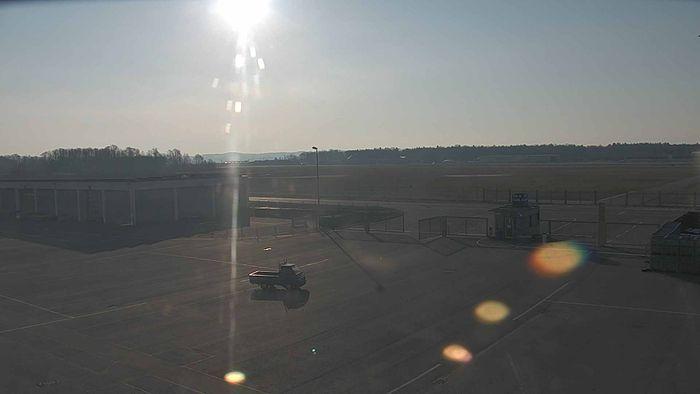 HD Live Webcam Friedrichshafen am Bodensee - Flughafen