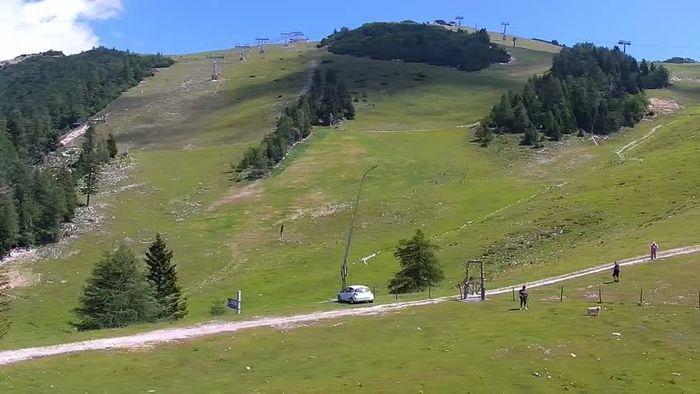 HD Live Webcam Ski resort Krvavec webcam
