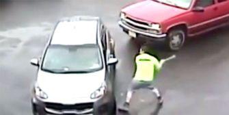 Durchgedreht: Mann attackiert Autofahrer mit Vorschlaghammer