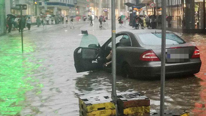 Kapitales Unwetter: Wuppertal säuft ab