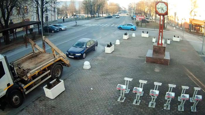 HD Live Webcam webcam Otočac - King Zvonimir streat