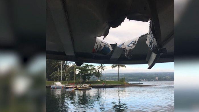 Hawaii: Lava-Bombe reißt Loch in Ausflugsboot