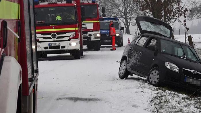 In vielen Teilen Deutschlands kam es am 3. Adventssonntag zu Schneefällen.