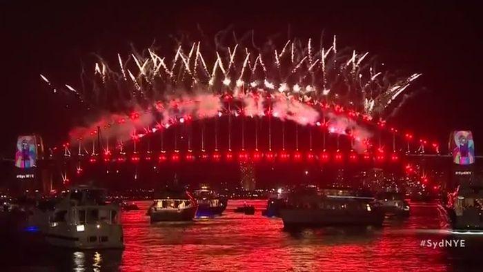 Mega-Feuerwerk! So krass feierte Sydney Silvester