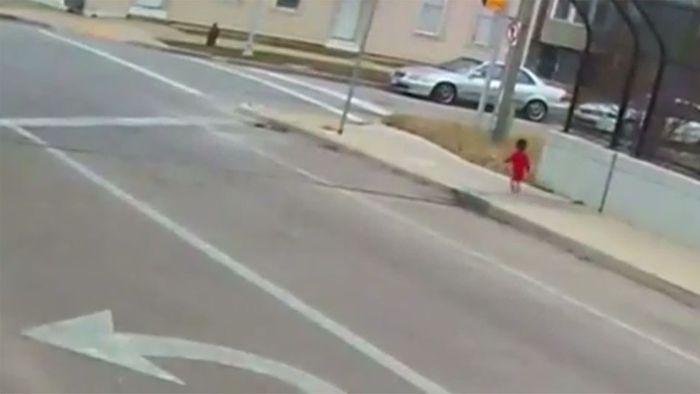 Busfahrerin wird für Kleinkind zum rettenden Engel
