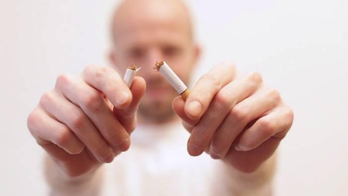 Schon nach 24 Stunden sinkt das Herzinfarkrisiko, wenn Du aufhörst zu Rauchen.