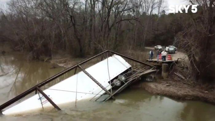 Aufs Navi verlassen: LKW-Fahrer bringt Brücke zum Einsturz