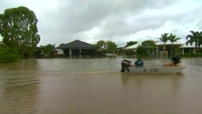 Queensland richtet sich auf Jahrhundertflut ein