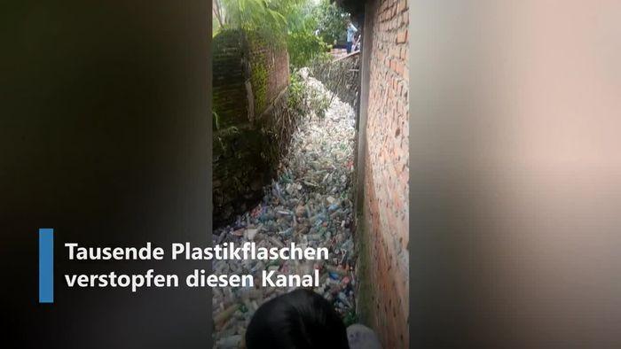 Massive Umweltverschmutzung: Tausende Plastikflaschen verstopfen Kanal