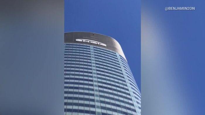 """145 Meter hoch ohne Sicherung: """"Spiderman"""" schlägt zu"""